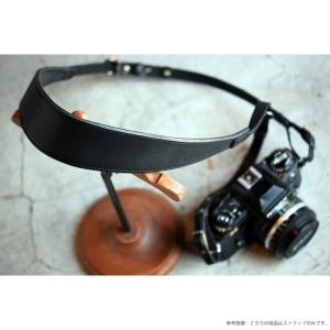 ROBERUヌメ革カメラストラップ(裏当て有り) ブラック