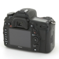 Nikon (ニコン) D7000 1