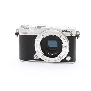 Nikon 1 J5 ボディ シルバー